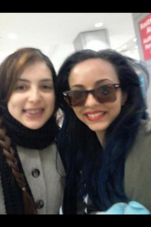Les filles et une fan à New York <3 #Mixerement