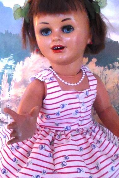 UNE GYMNASTE ESPAGNOLE...............IDENTIFIEE ....ELLE S'APPELLE MARYLYN.....poupée des années 50 de SANTIAGO MOLINA