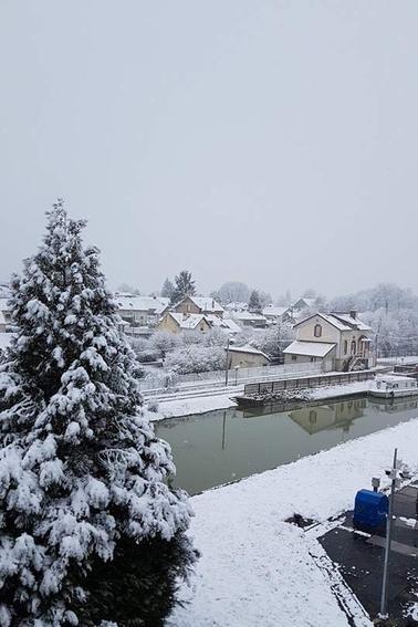 MAROLLES et environs........Quelques photos prises lors de notre épisode neigeux par mon Amie FRANCINE.....Février 2018...Merci