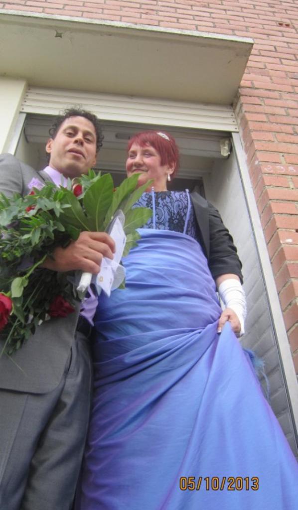 Formidables & adorables tous les deux... Vive les mariés :)
