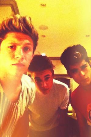 Justin Bieber,Niall Horan et Zayn Malik.Je vous adoreeeeeeee :D