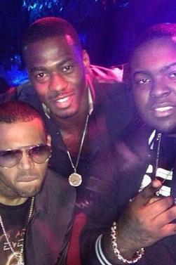 Arrivé de Chris Brown au Playboy Mansion hier soir