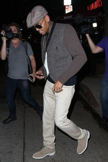 Chris quittant Hooray Henry's dans West Hollywood