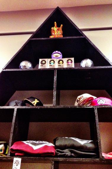 Ouverture d'une boutique Mechanical Dummy/Black Pyramid en Virginie