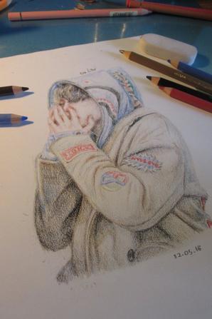Premier dessin réaliste aux crayons de couleur