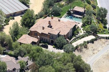 Mais aussi de sa jolie maison !!! *0*
