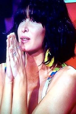 Cee soir premier LIVES de la saison 2 !!!!!!!!! :D Rendez vous sur TF1! on compte sur vous ! ;)