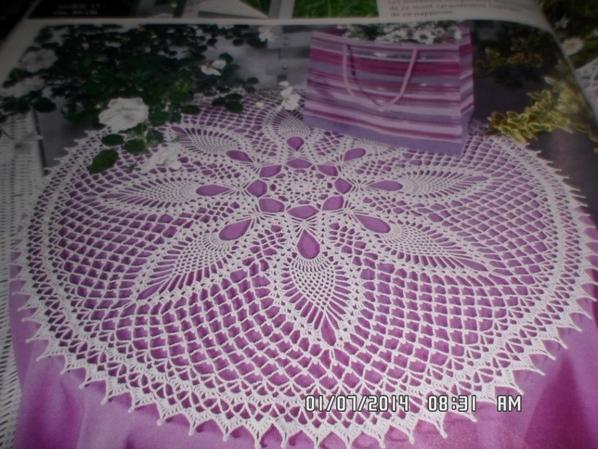 blanc et rose foncé dimension 63 cm