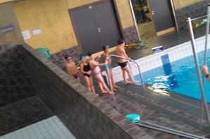 anaelle a la piscine ce matin (21 septembre 2012