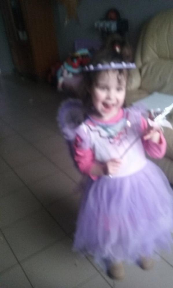 Ma filleule deguisée en fée pour le carnaval