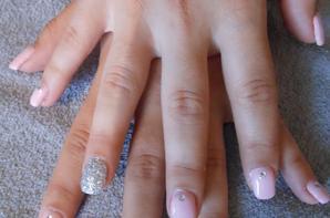 Pose d'ongle et vernis semi permanent caméléon