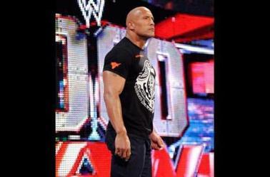 """WWE SHOP: LE NOUVEAU ROCK """"SOLDIER"""" CHEMISE À LA VENTE"""