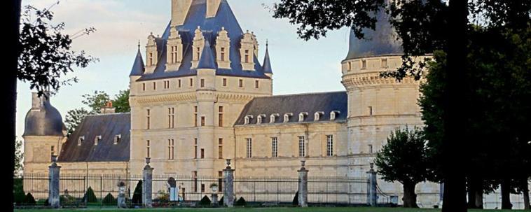 Votre mariage dans un lieux exceptionnel . Le Chateau de Valençay . la plus riche visite des châteaux du Val de Loire.