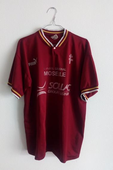 Maillot FC Metz porté par un membre du staff technique durant la saison 97/98