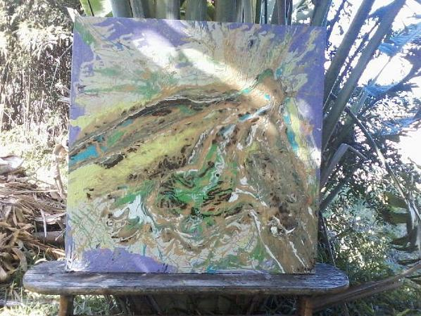 toile de 100x100 par l'artiste Rèmy Evin ( la femme volcan ) Ps regardez là en diaporama.....