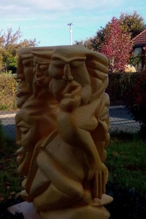 Sculpture De Béton Cellulaire ( Voir l'espérance ) 20 X 40 X 60 Fait le 17/10/2017 A Vendre Prix très abordables Crée par l'artiste Evin Rèmy