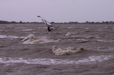 Lundi 3.11 : Enfin du vent fort !