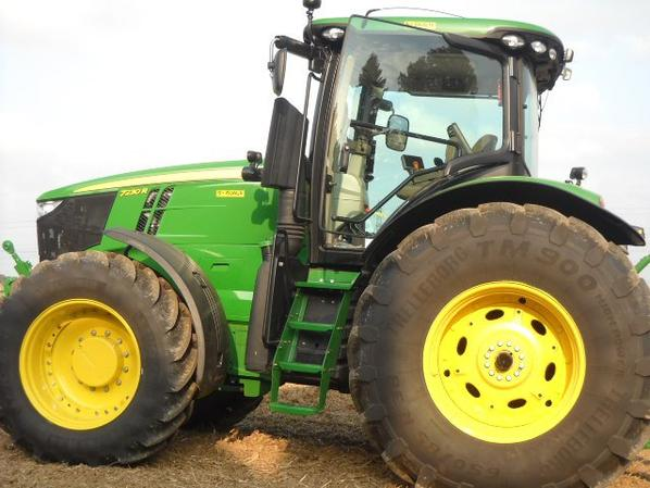 nouveau tracteur a mai voisin