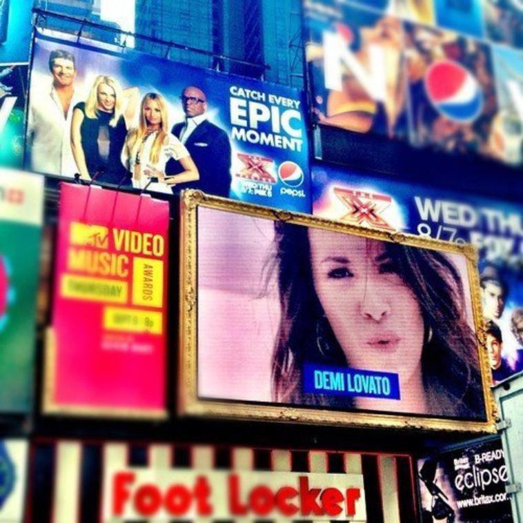 Xfactor Promo + Nouvelle photo de Demi Lovato Twitpic