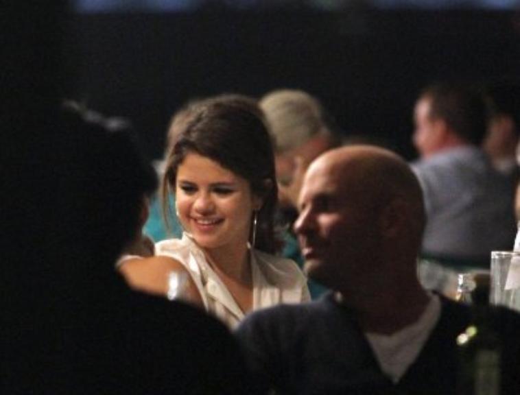 Selena Gomez - 04 septembre 2012 - Au restaurant Harry's Dolci à Venise