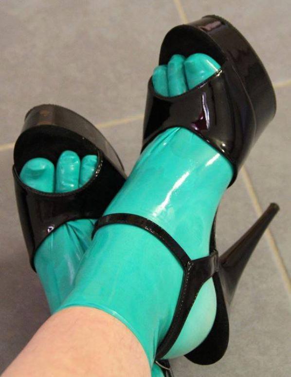gants sur pied  avec escapin
