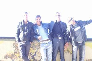 Moi et mes amis dans la mer
