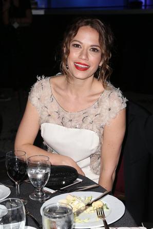 """.  03/02/2018 : Bethany était à la 26th Annual Movieguide Awards  """"Un vrai rayon de soleil, coup de coeur pour sa coiffure. ♥  ."""