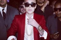 Justin bieber : INSTAGRAM + TWITTER.