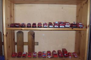 voici ma collection de camion de pompier que j'ai en plus de mon csp et qui me sert de réserve départemental