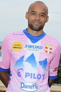 Evian TG : Sorlin, Angoula et Barbosa prolongent
