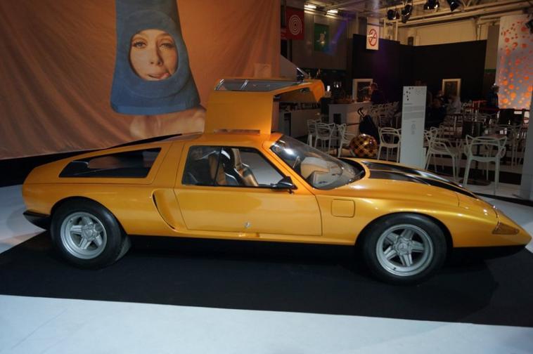 Une C 111 au Mondial de l'automobile .