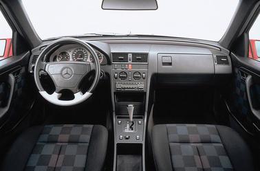 La Classe C W202 ( 1993-2000)