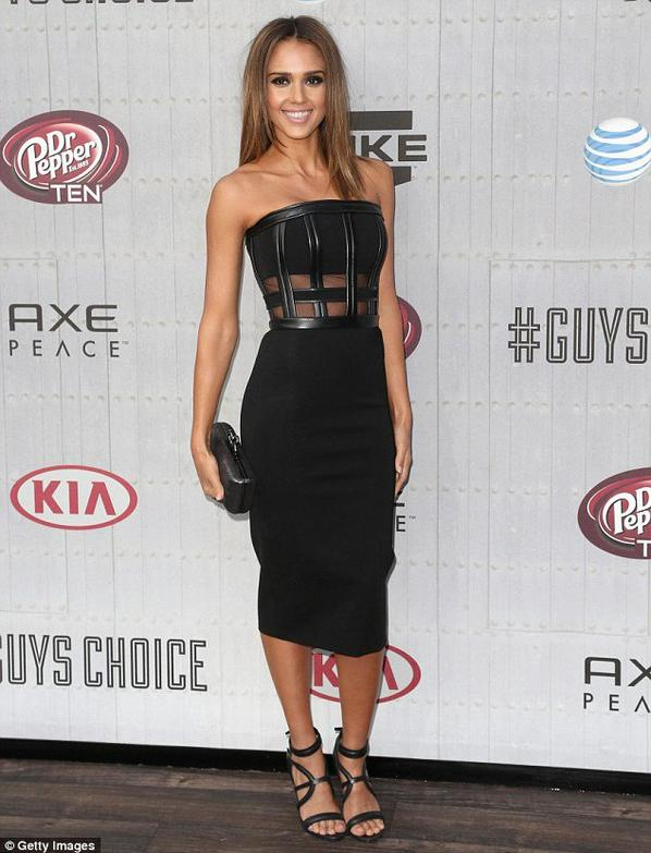Jessica Alba pour les Guys Choice Awards !