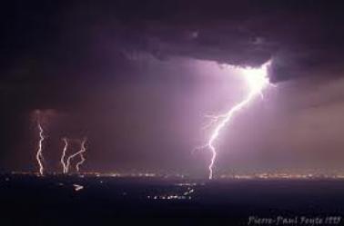 qui aime les orages