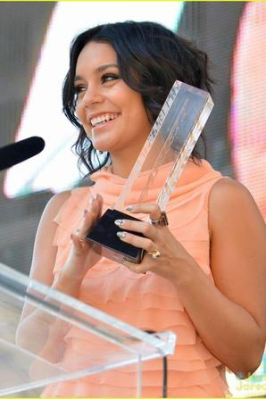 Vanessa à été récompensée au Variety's Power Youth 2012 !
