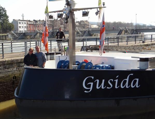 GUSIDA (NL) Maasbracht,  de retour de Lustin avec 1019t. de produit carrier (Sagrex) à l'enfoncement réduit de 2,20m., à destination de Merksem