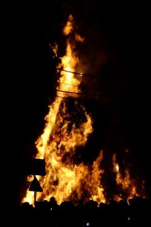 13° à Bouge avant l'allumage du grand feu... Bonhomme hiver n'aura pas résisté bien longtemps!  ;)