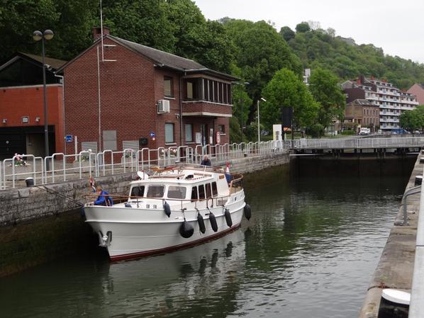 1ère véritable journée d'arrivée de plaisanciers (10) sur la Haute-Meuse... le beau MERIDIAAN d'Amsterdam, 8ème yacht de ce 29 avril...  ;)