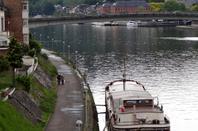 La traversée namuroise et ses bateaux-logements...
