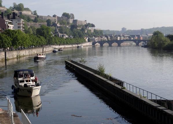 4 nationalités en 1ère ce dimanche 18 mai 2014, SHALOM (NL), THYVALNA (CH), ANIWAY (B), ALBERTINE (GB). Présence des éclusiers sur la Haute-Meuse...