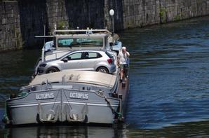 NEPTUNE (F) Pont-à-Bar, FRANCALOU (B) Waulsort et MON CHERI (D)  -  OCTOPUS (2è.) avec 250t. de Coils depuis La Louvière à destination de Reims -  ELLEN (SE) , DC MOSA 2 (NL), JIVA (CH), LE SAM (B), PEER DEN SCHUYMER (NL) et AMIGA (NL) parmi les 20 bateaux de 6 juin 2014 ...