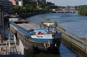 MORVERCH (GB), BEELZEBUB (B) & GEESJE KP2 (NL) parmi les plaisanciers de ce jeudi 12 juin 2014. -  Les pneus utilsés comme baderne sont toujours interdits sur les Voies navigables de Wallonie!