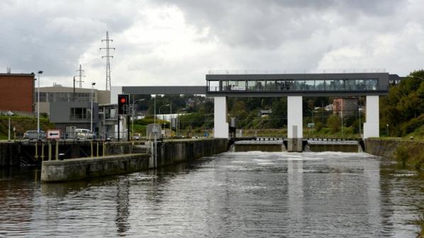 Namur (Sambre) - Le site du barrage-écluse de Salzinnes modernisé  ;)