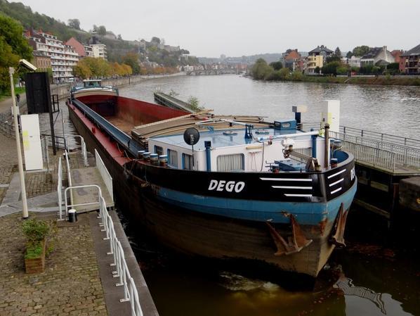 """Canal 20 pour les 4 montants....  et descente sur Namur d'un plaisancier français...  Annonce de tirant d'eau réduit à 1,50 m (-1,00 m.) dans le bief """"Tailfer-La Plante""""  du 15/11 à 19h30 au 17/11 à 6h00 !"""