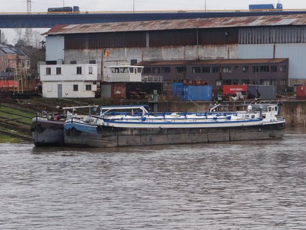 HEUREUSES FÊTES DE FIN D'ANNEE A TOUS  ;)    A partir du 1er janvier 2015, plusieurs services opérationnels à la navigation intérieure sont transférés du Service Public Fédéral Mobilité et Transports, aux Régions.