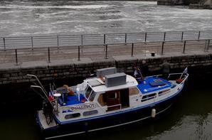 18 bateaux, record journalier pour 2015, en ce jour de fête du travail! (expliqué par la remise à flottaison normale du bief de la traversée namuroise!)