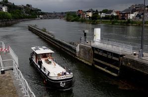 Haute-Meuse; 2,00 m. ces 18 et 19 mai, 2,20 m. d'enfoncement admis à partir du mercredi 20 mai et retour à 2,50 m. samedi 23 mai à 6h00. (Avis n°0078 du 5/5/2015)