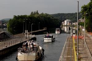 Sassées de yachts à l'assaut de la belle vallée et défilé de spits entre Châlon-en-Champagne et la brasserie de Lieshout  ;)