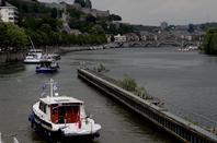 Port de plaisance namurois au complet à la veille du 1er weekend de l'été... Même si la signalisation laisse à désirer dans la traversée namuroise, amis plaisanciers, pensez à laisser l'emplacement libre pour le marchand (78m) et n'occupez pas le garage de l'écluse (500m.)!  Nombreuses festivités à Namur et fête de la Musique  ;)