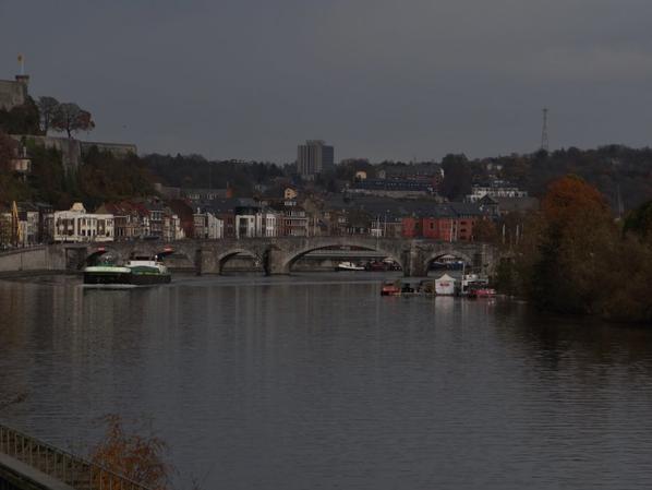 Un temps très doux pour la saison (18°) mais un trafic déjà hivernal sur la haute-Meuse (4 dont un aller-retour à vide!)
